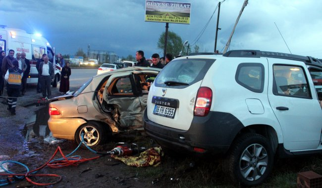 Salihli'de trafik kazası: 5 ölü, 2 yaralı