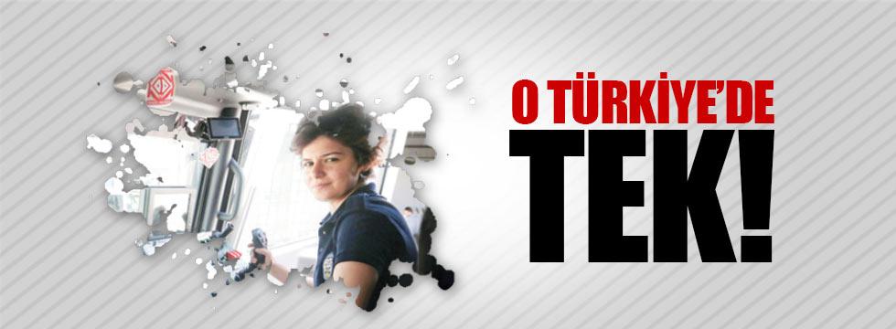 Turkiye Nin Toma Kullanan Tek Kadin Polisi