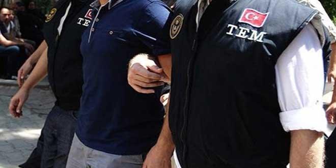 10 rütbeli polis gözaltına alındı