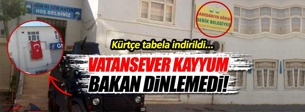 Derik'te Kürtçe tabela indirilip yerine Türk bayrağı asıldı