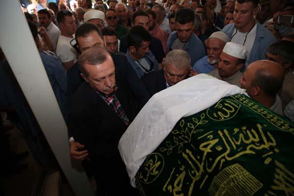 Erdoğan'ın eniştesi Ziya İlgen'in annesi son yolculuğuna uğurlandı