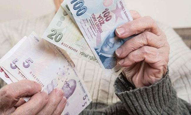 Emeklilerin beklediği haber geldi