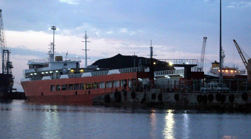 Feribotla gemi çarpıştı