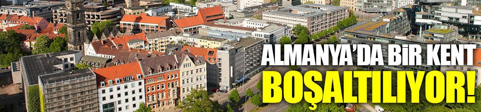 Almanya'da bir kent boşaltılıyor!