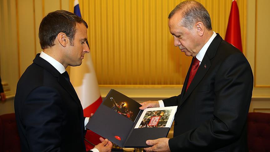 Erdoğan Macron'la görüştü