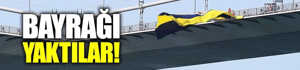 Köprüdeki Fenerbahçe bayrağı yakıldı!