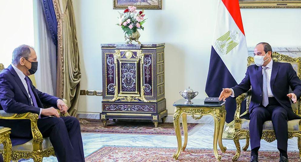 Lavrov, Kahire'de Sisi'yle görüştü