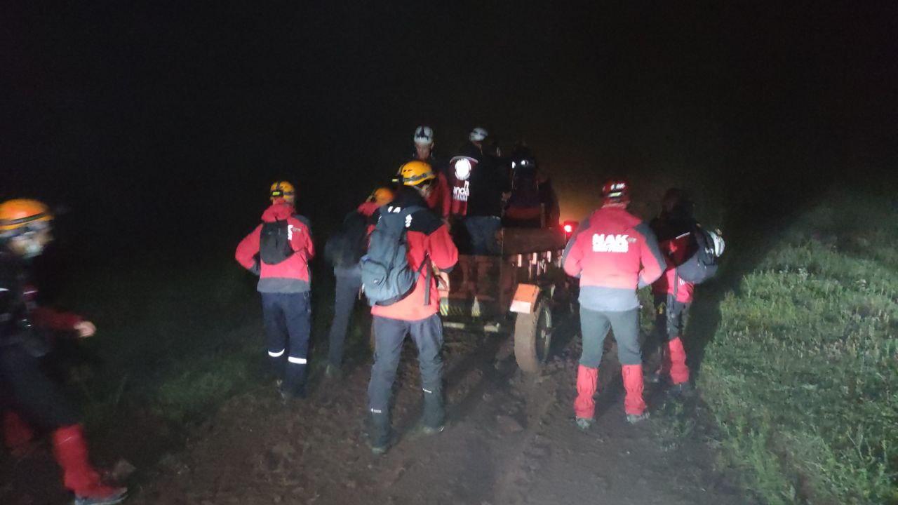 Bursa'da paraşütle dağdan atlayan genç adam kayboldu