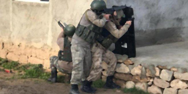 Tunceli'de Mehmetçiğe saldırı! Yaralılar var
