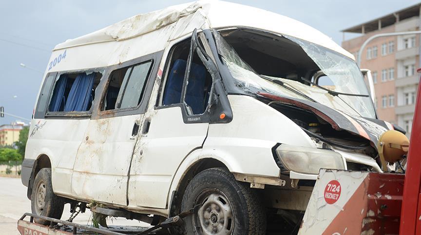 Kilis'te meydana gelen trafik kazasında 12 kişi yaralandı