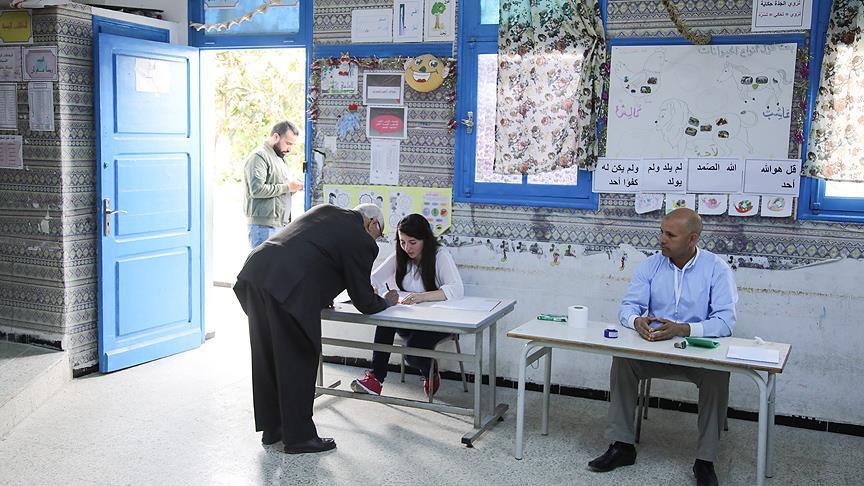 Tunus'ta yerel seçimlerde oy verme işlemi başladı