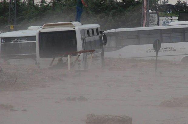 Kilis - Gaziantep karayolu sular altında