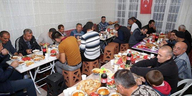 Ahıska Türkleri'nden öz vatanlarında ilk iftar