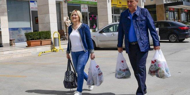 Muharrem İnce eşiyle alışverişte