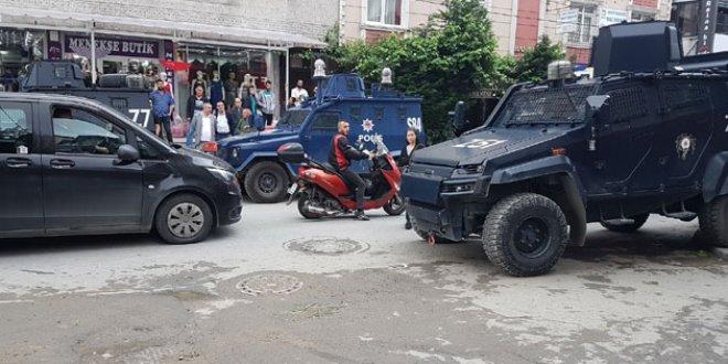 Sultangazi'de pazarda silahlı kavga