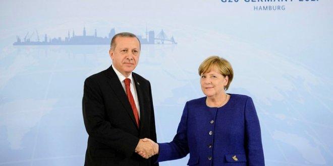Tayyip Erdoğan, Merkel'le görüştü
