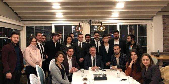 Mansur Yavaş İYİ Partili gençlerle buluştu
