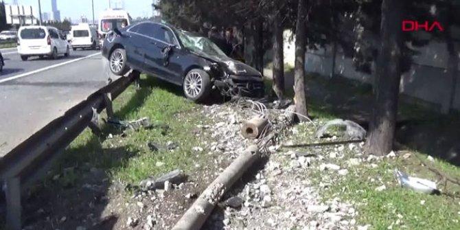 TEM otoyolunda trafiği kilitleyen kaza