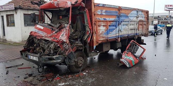 Kayseri'de kamyonlar çarpıştı: 1 yaralı