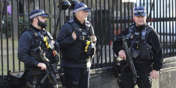 Londra'da saldırgan alarmı
