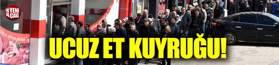 Sivas'ta Et ve Süt Kurumu önünde ucuzluk kuyruğu