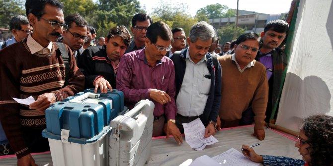 Hindistan resmi seçim sonuçları yarın açıklanıyor