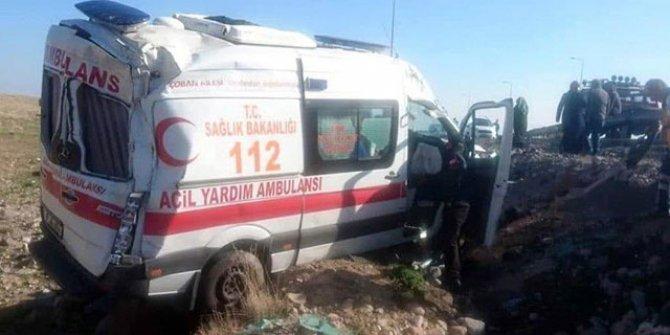 Kayseri'de ambulans devrildi