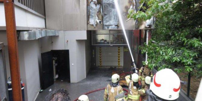 Kadıköy'de hastane yangını