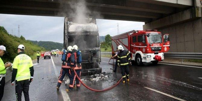 Anadolu Otoyolu'nda TIR yangını