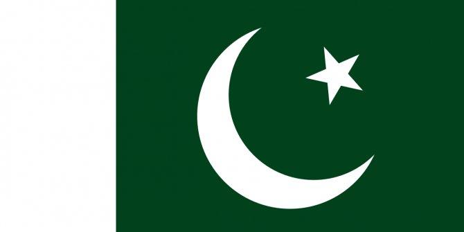 Pakistan'da Cuma namazında patlama