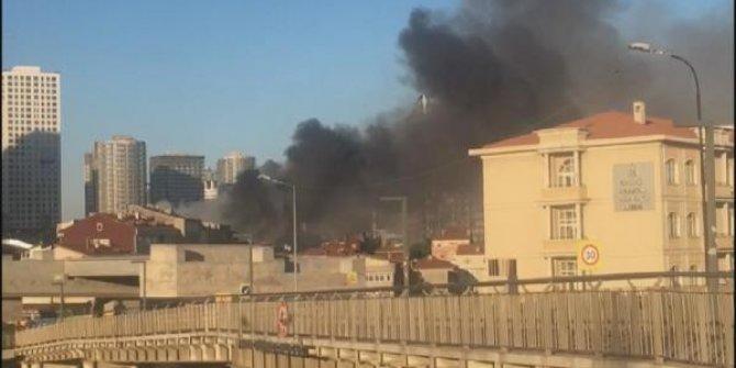Kadıköy'de yangın: 2 kişi hayatını kaybetti