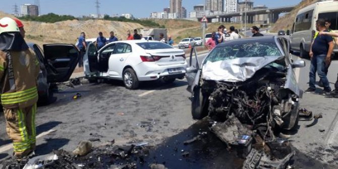 Zincirleme trafik kazası: 1'i ağır 3 yaralı