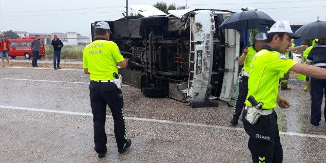 Balıkesir'de otobüs devrildi: 1 ölü