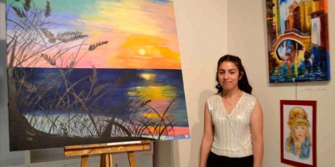 Zihinsel engelli öğrenci resim sergisi açtı