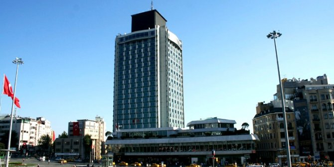 The Marmara Oteli'nin sahibi kim?