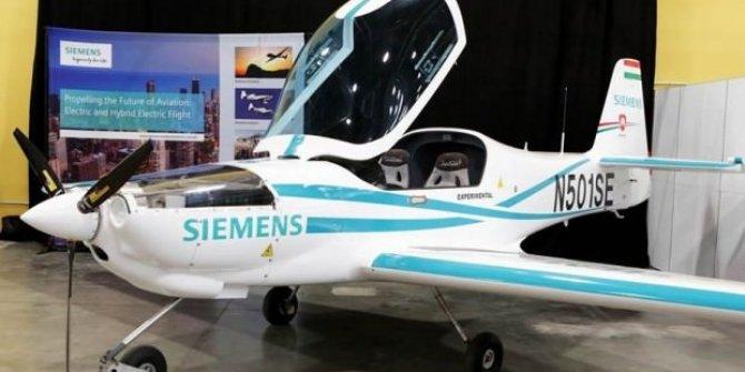 Rolls-Royce, Siemens'in elektrikli uçağını satın alıyor