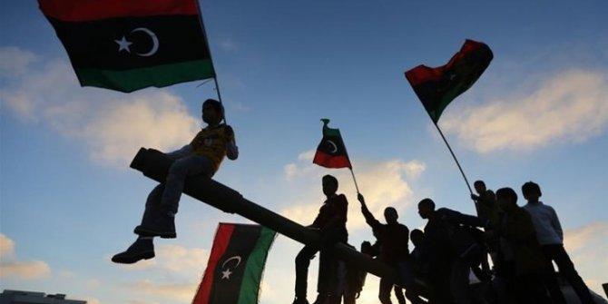 Suriye'yi unutup Libya'da savaşmak
