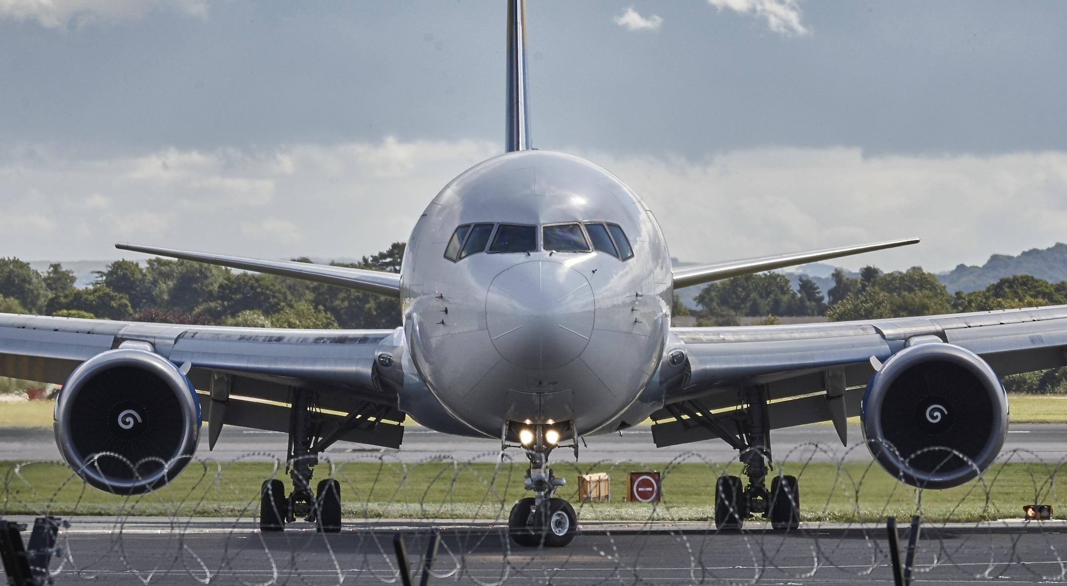 İngiltere'ye inen uçak karantinaya alındı