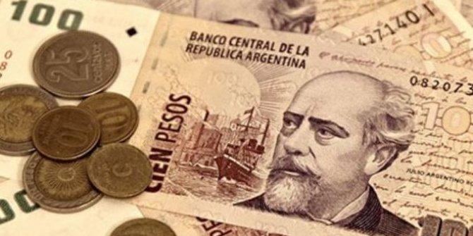 Arjantin'de ön seçim ekonomiyi vurdu