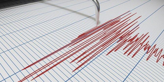 Kuşadası'nda 12 deprem oldu!