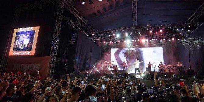 İzmir Fuarı'nda, yanan ormanlar için 9 saatlik konser