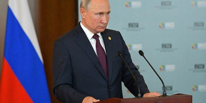 Putin, anayasa taslağını sundu