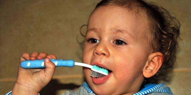 """""""Çocuklarda diş temizliği süt dişleri ile başlamalı"""""""