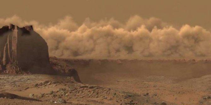 """""""Kum fırtınaları kızıl gezegen'deki su buharının kaybolmasına neden olabilir"""""""