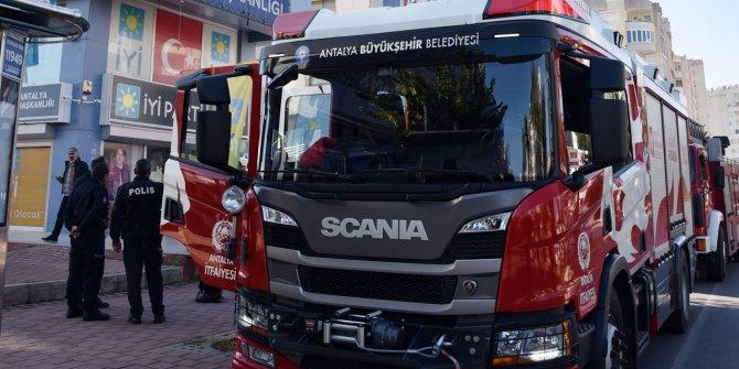 İYİ Parti Antalya il binasında yangın