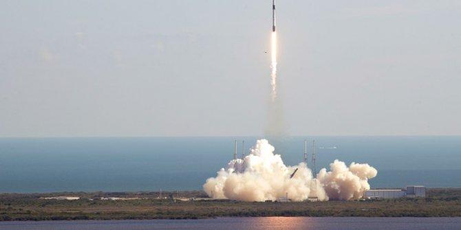 """SpaceX'ten uzaya """"süper fare""""li kargo"""