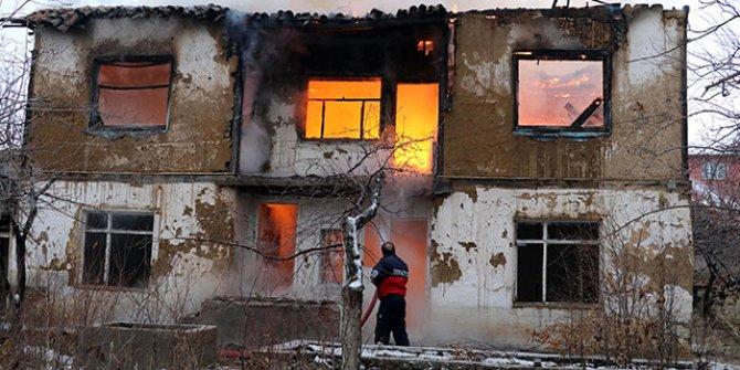 Ekmeleddin İhsanoğlu'nun evinde yangın