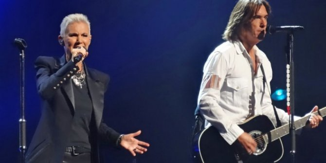 Dünyaca ünlü şarkıcı hayatını kaybetti