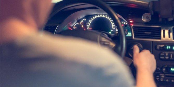 Sigara içen ve telefonla konuşan sürücüleri yapay zekay yakalayacak