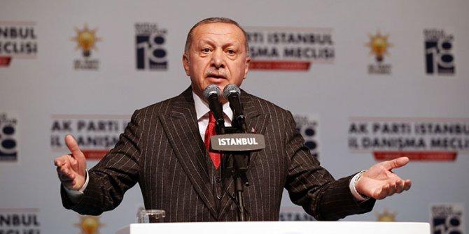 Tayyip Erdoğan AKP'de ilk neşteri teşkilatlara vuracak
